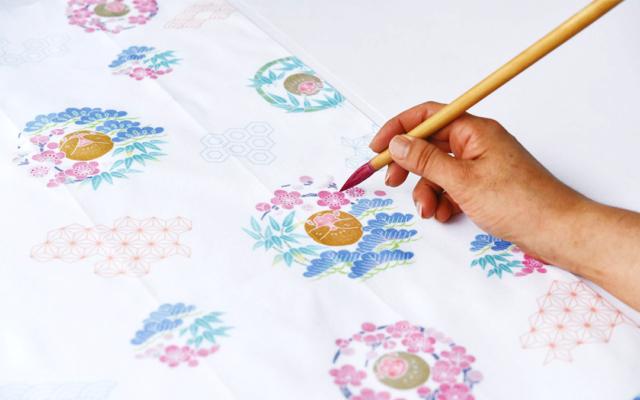 加賀友禅作家の指導で正月飾りをつくるワークショップ