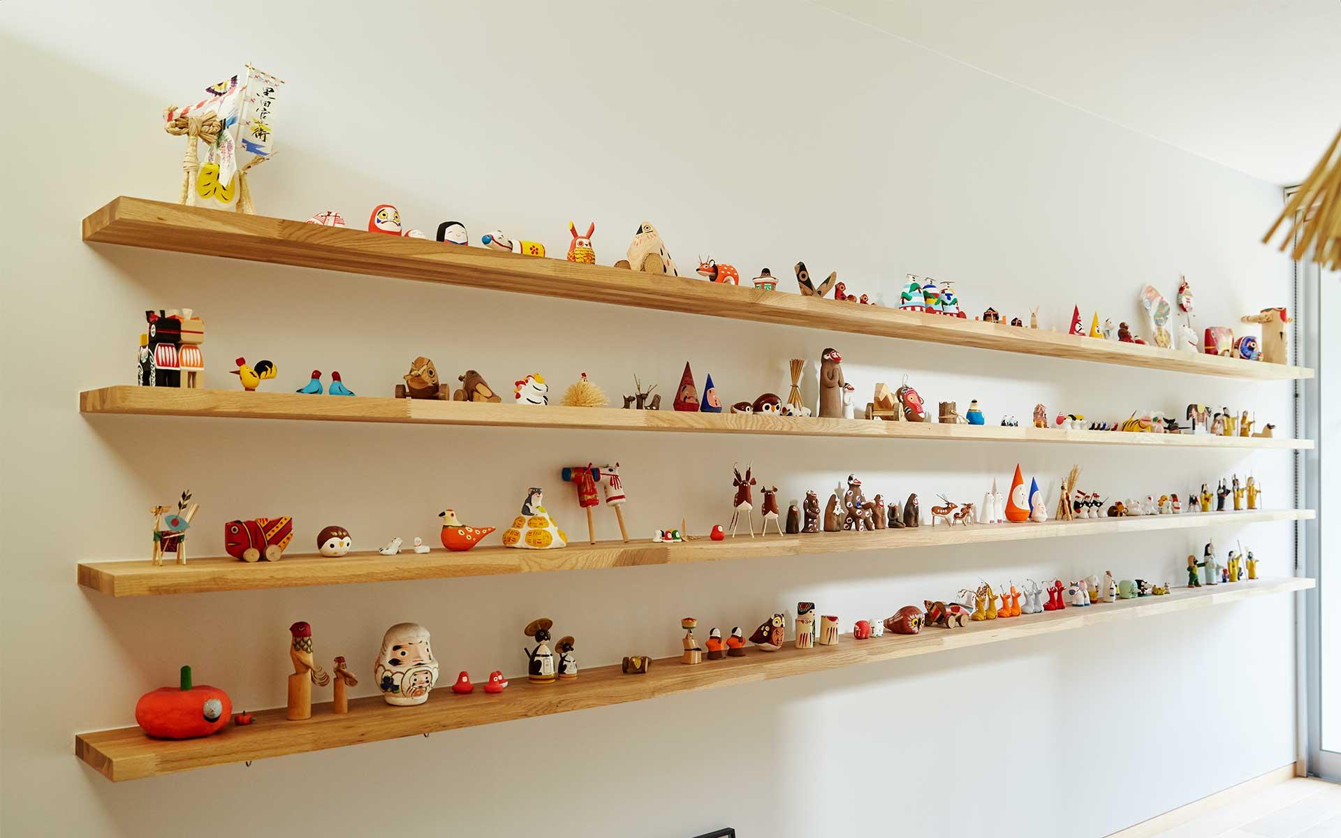 郷土玩具コレクターの家、郷土玩具の棚