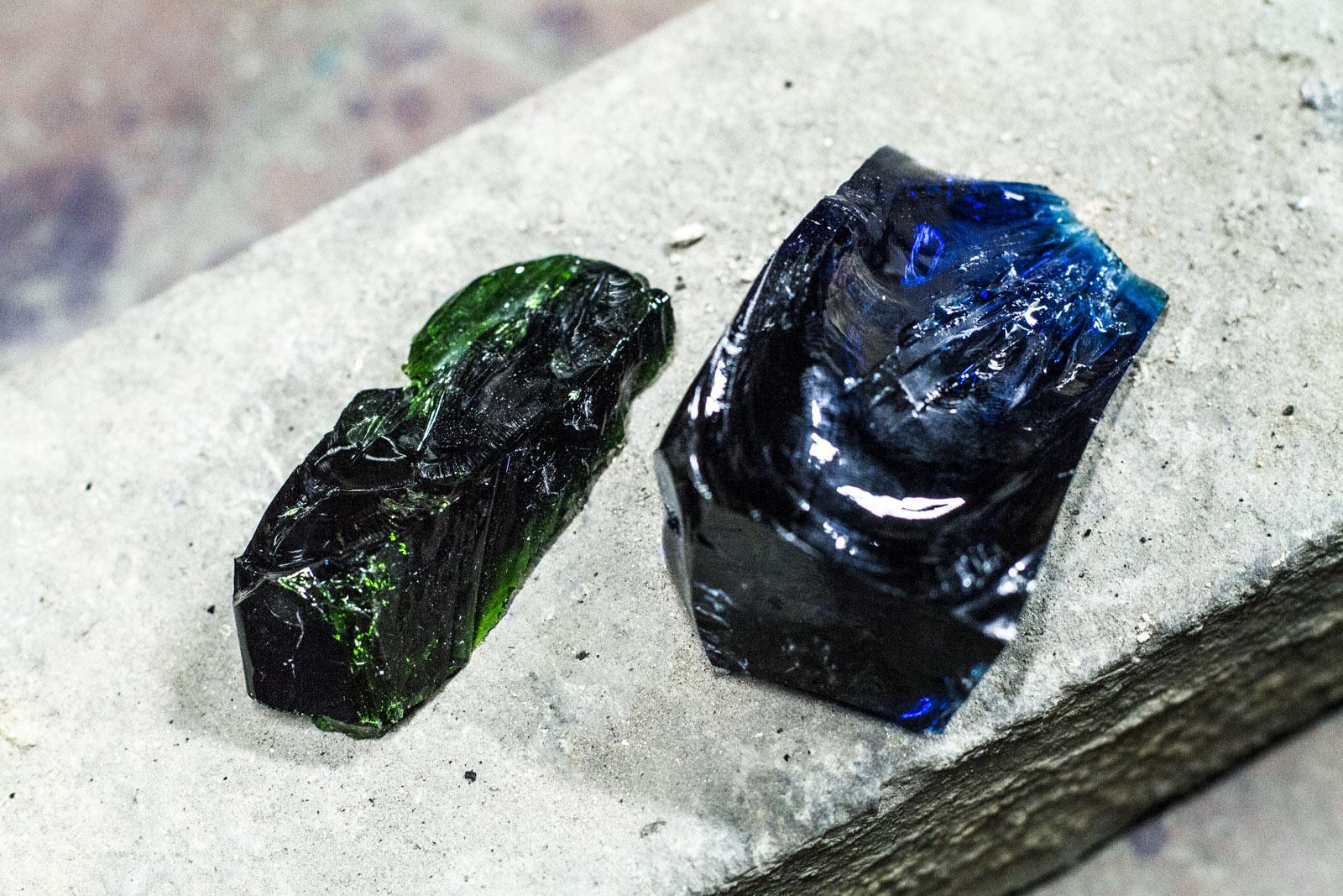 今では「あさぎ」という名前のブルーにグリーンを掛け合わせ、小谷ブルーはつくられます。