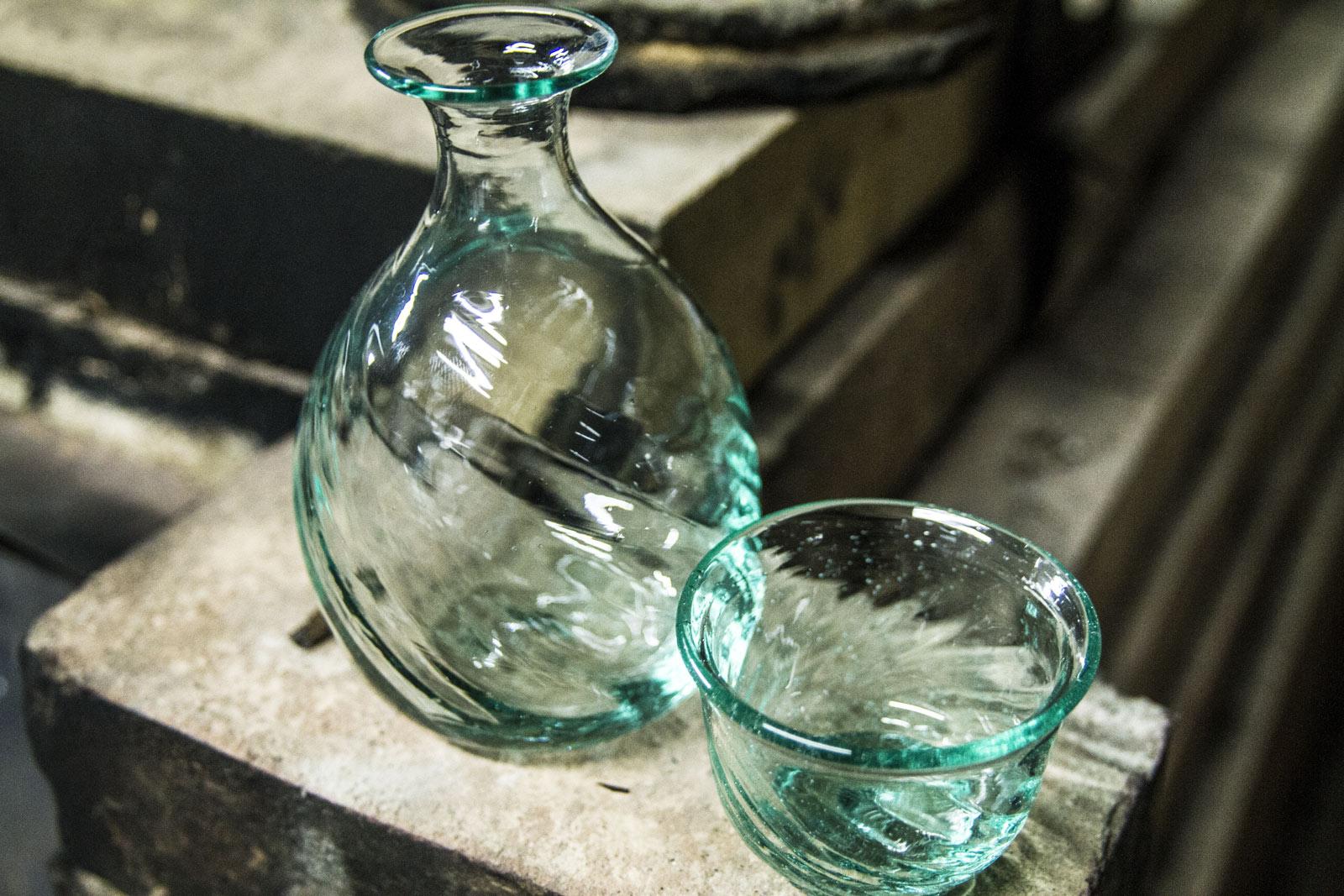 倉敷ガラスの飾り気の無い色や形は、世界共通の魅力。
