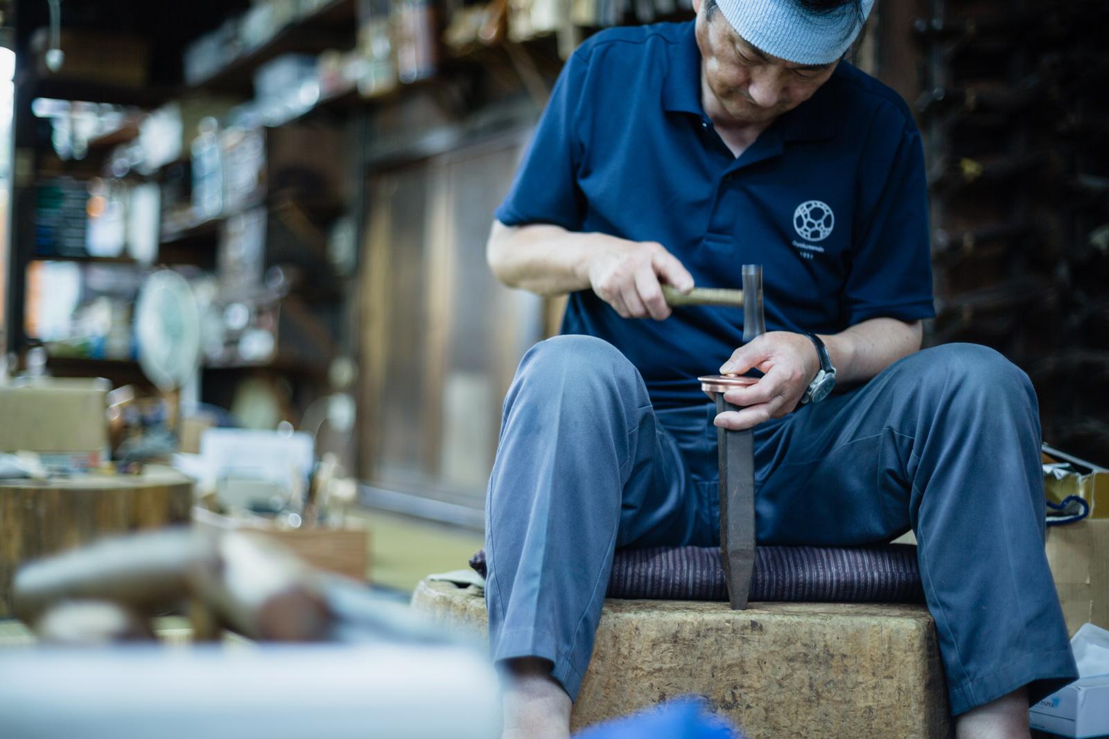 玉川堂さんでは間近でものづくりを見ることができる工房見学を実施している。