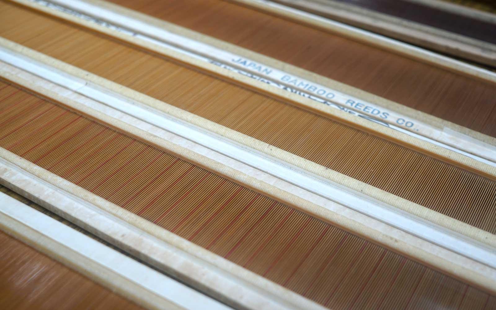 復活を目指して動き出しているという織機の部品、竹筬(たけおさ)。