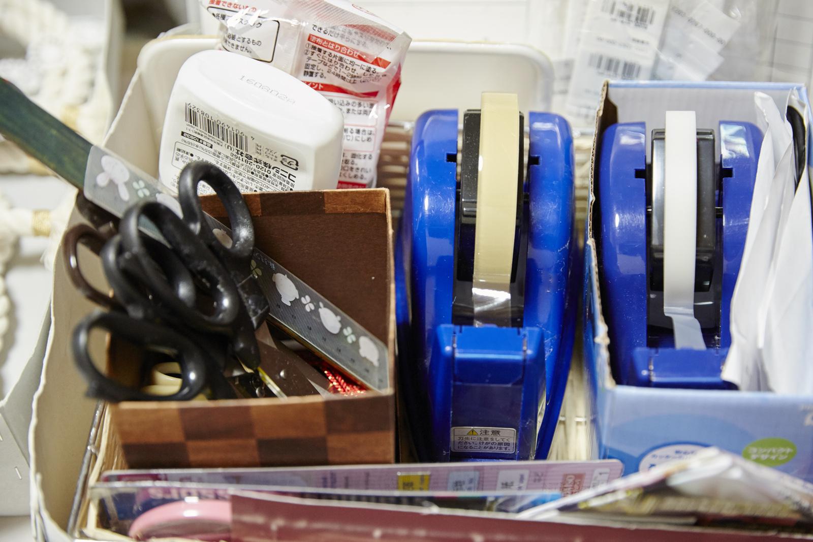 数種類の道具が定位置にきっちりと収まっている。