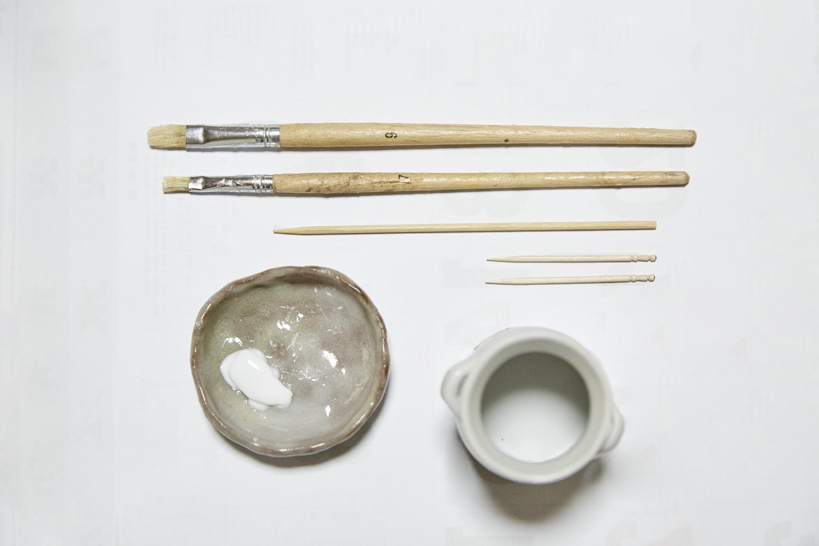 ボンド付けの道具一式。用途によって使い分ける。