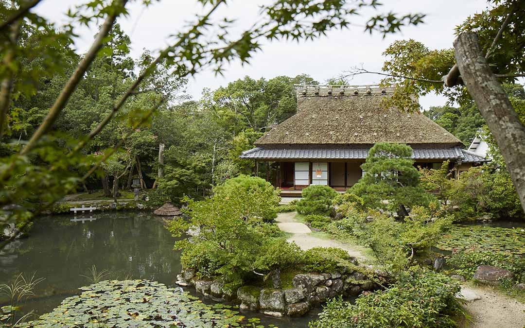 寧楽美術館が併設される依水園・前園。