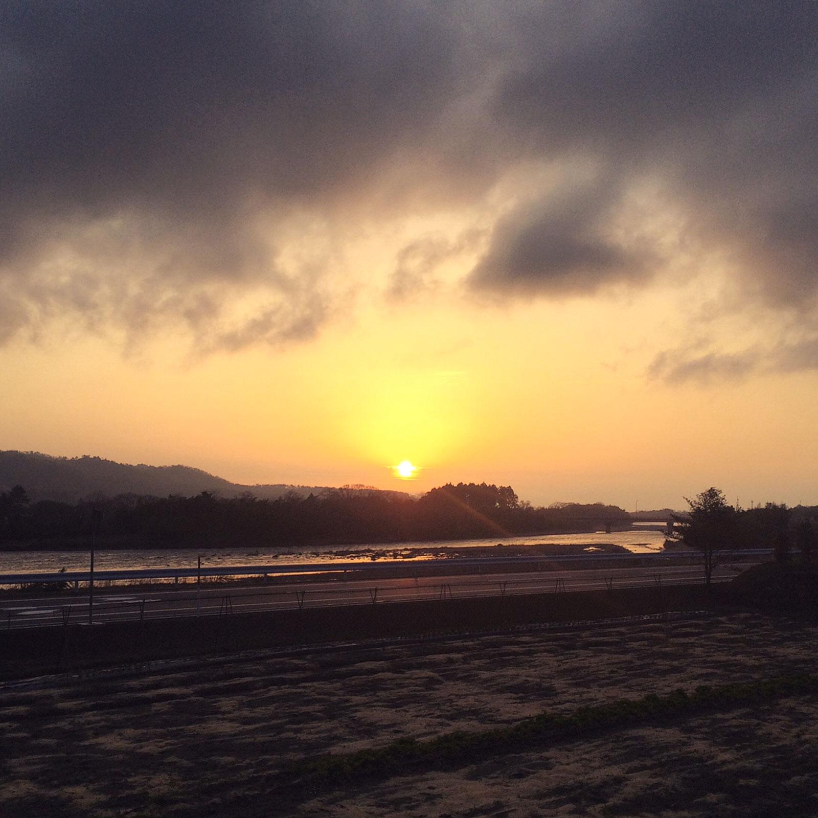 高島の燃える夕陽