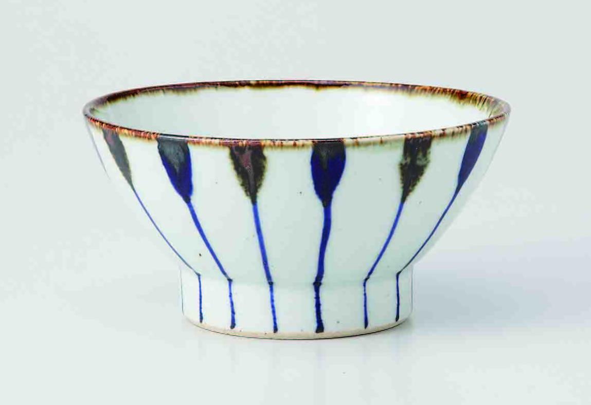 波佐見焼を代表する伝統的な「くらわんか茶碗」