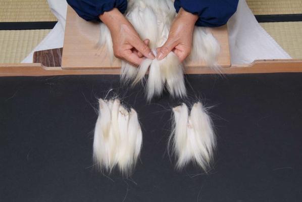毛筆の選毛工程