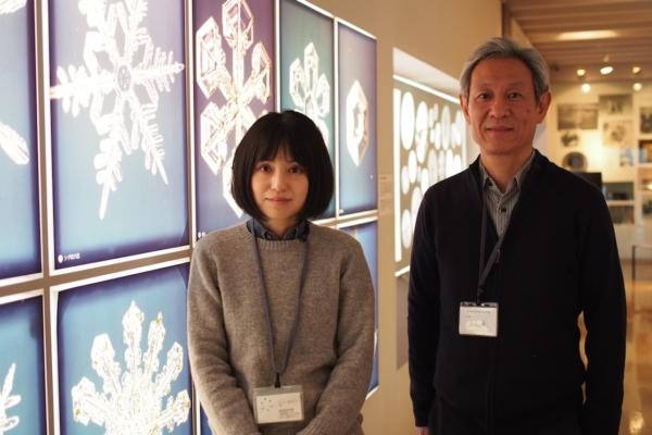 左から、学芸員の石川さん、施設長の角谷さん。ご案内ありがとうございました!