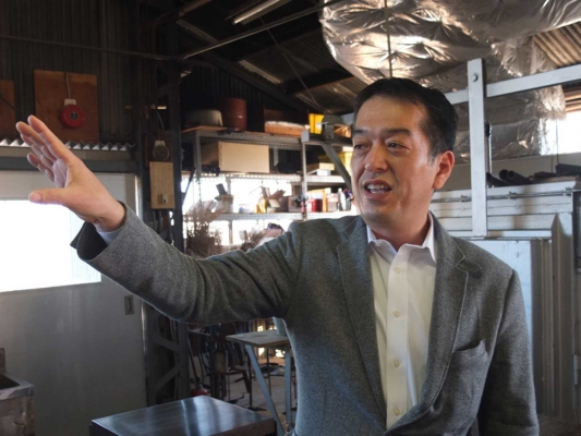 The president, Mr. Yusuke Sugahara guides us to each section of the factory
