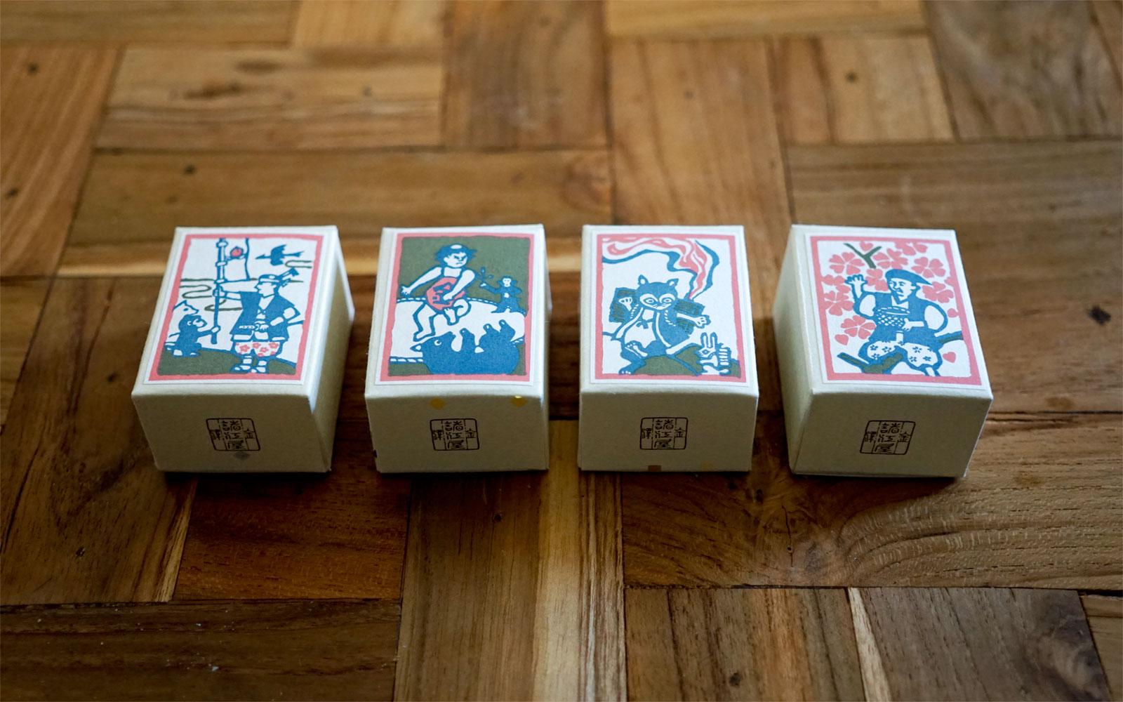 左から、桃太郎、金太郎、カチカチ山、花咲か爺さん