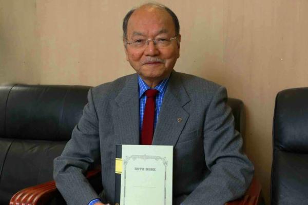 お話を伺った株式会社ツバメノート代表取締役の渡邉精二さん。