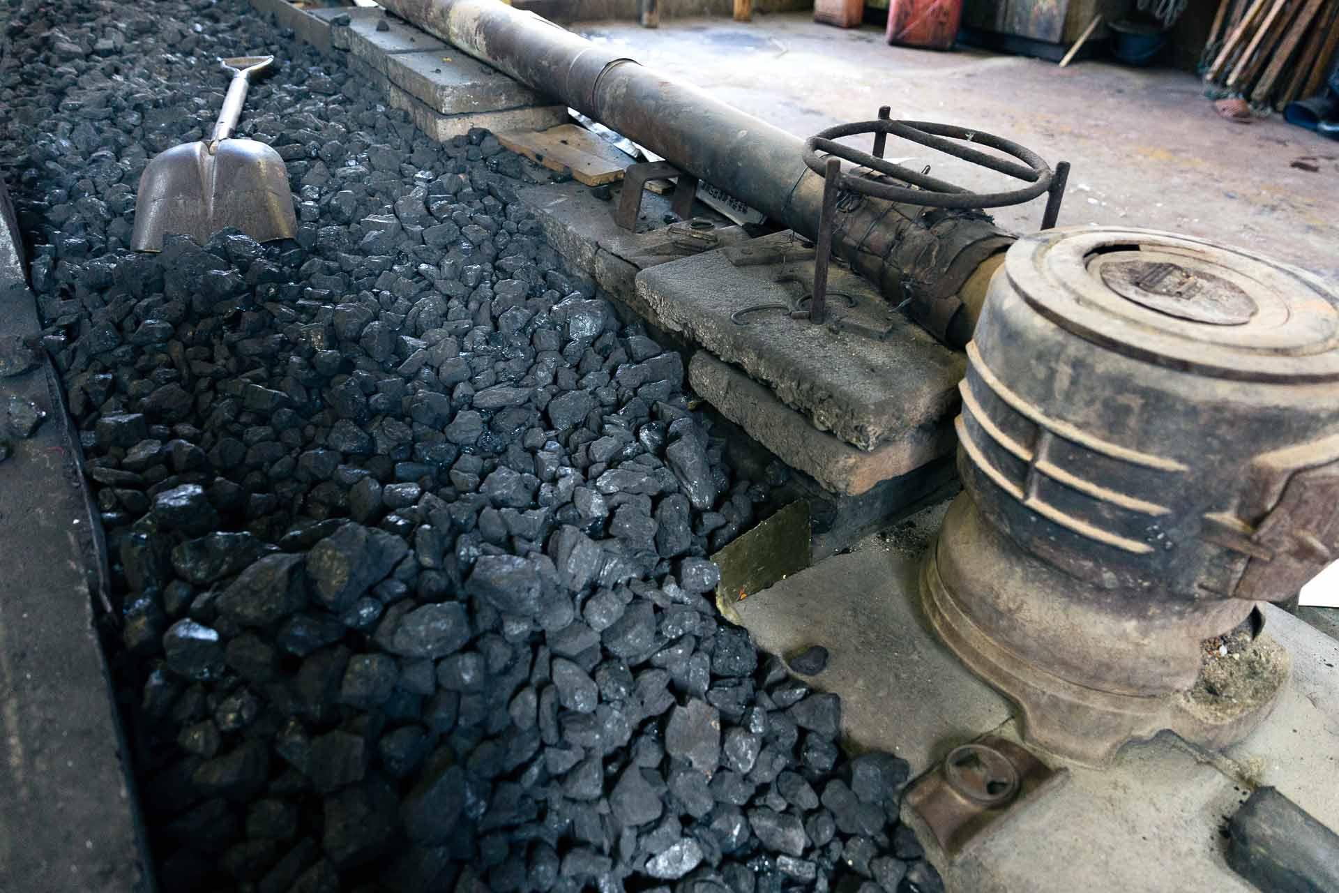 ストーブ燃料の石炭がたくさん