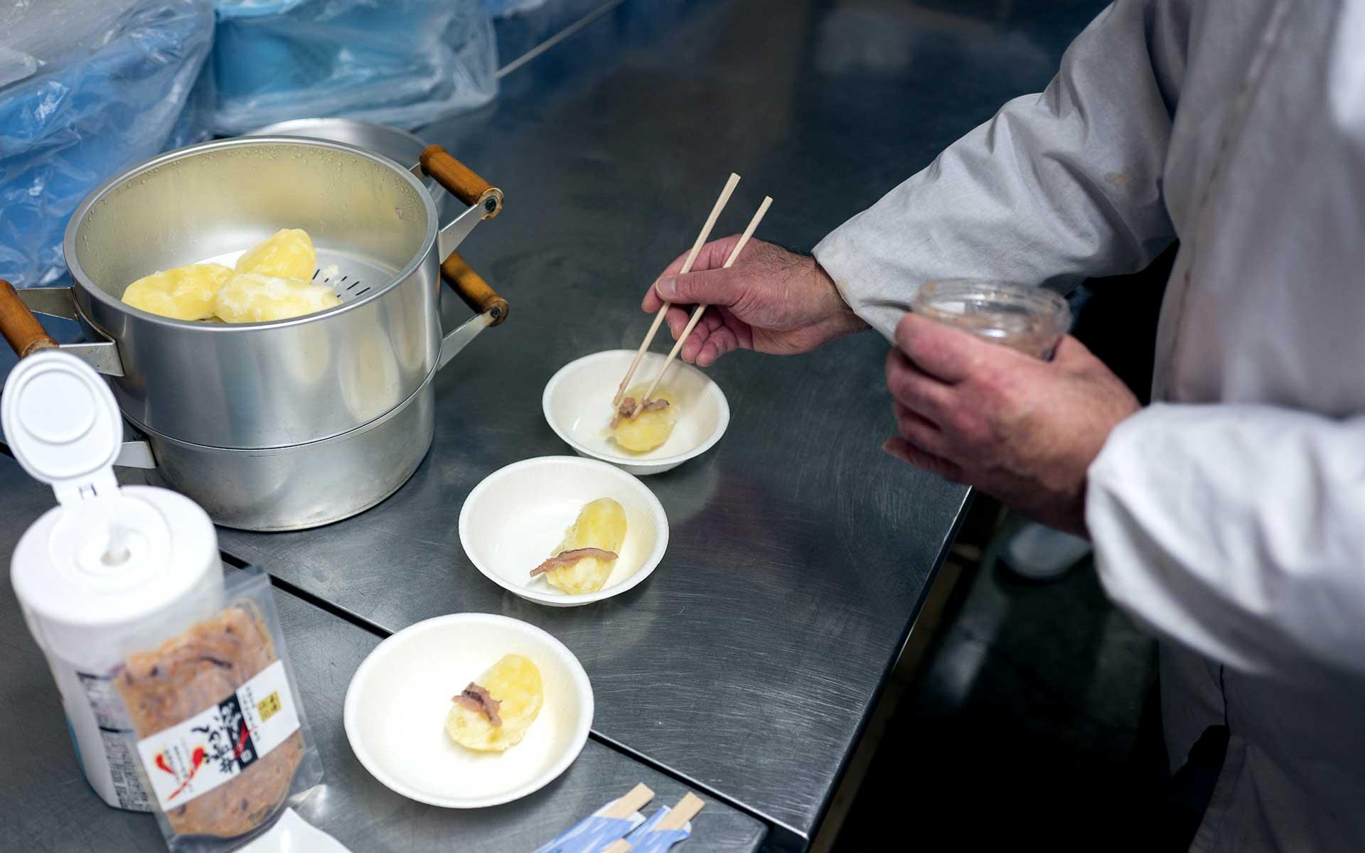 北海道のじゃがいもと、小田島水産食品の塩辛の組み合わせは絶品でした