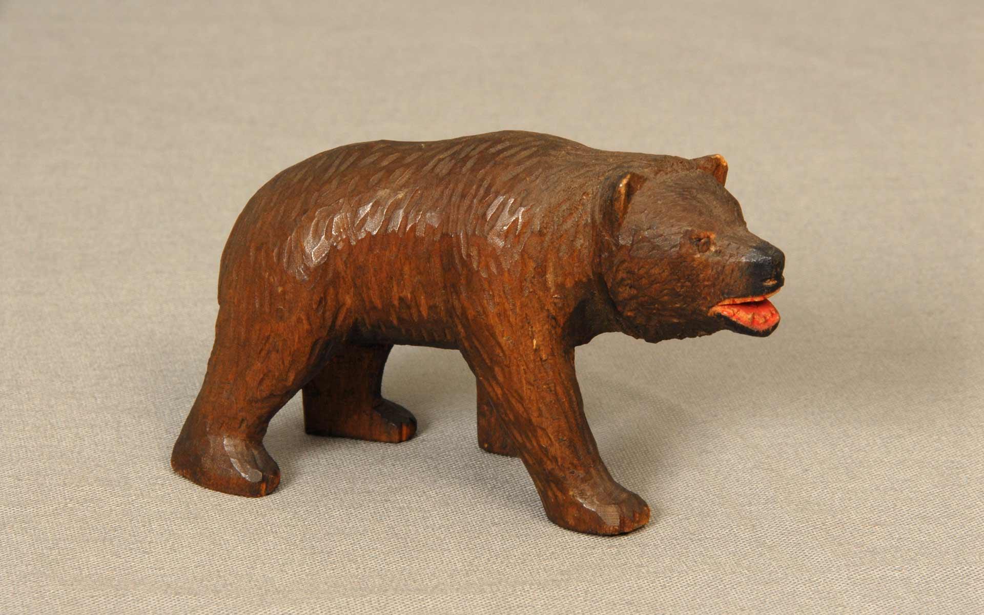 北海道木彫り熊 第1号