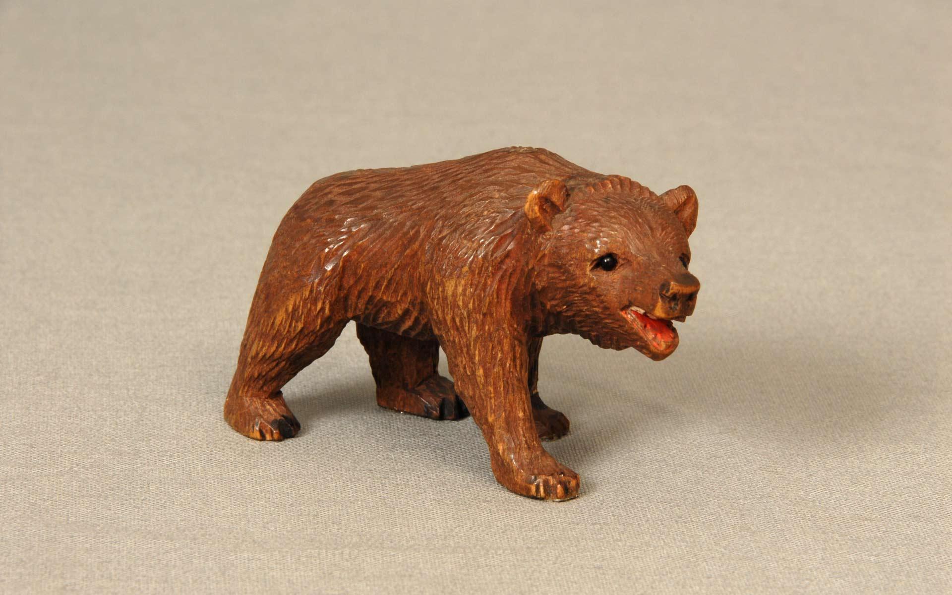 スイスの木彫り熊