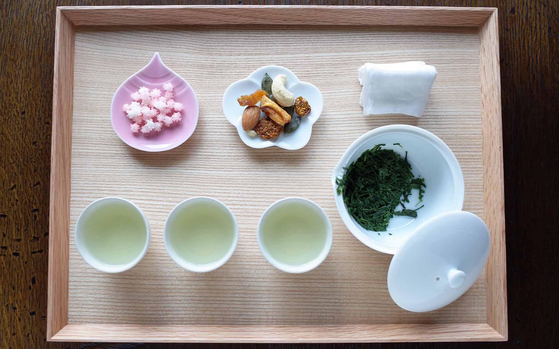 新茶を美味しくいただく、村田森さんの白磁急須