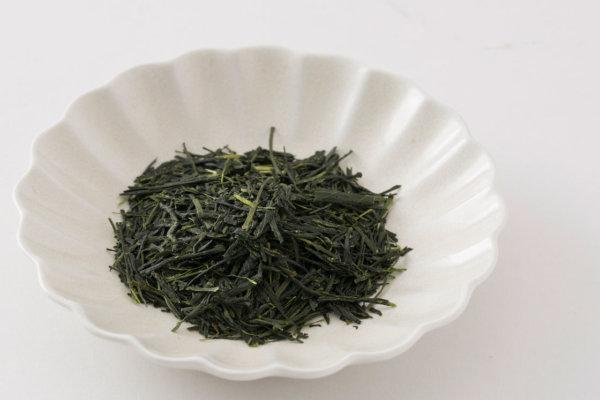 「北田源七商店」が「合組」によってブレンドした毎年いちばんのお茶。味と香りはもちろんのこと、色の美しさも一見の価値ありです