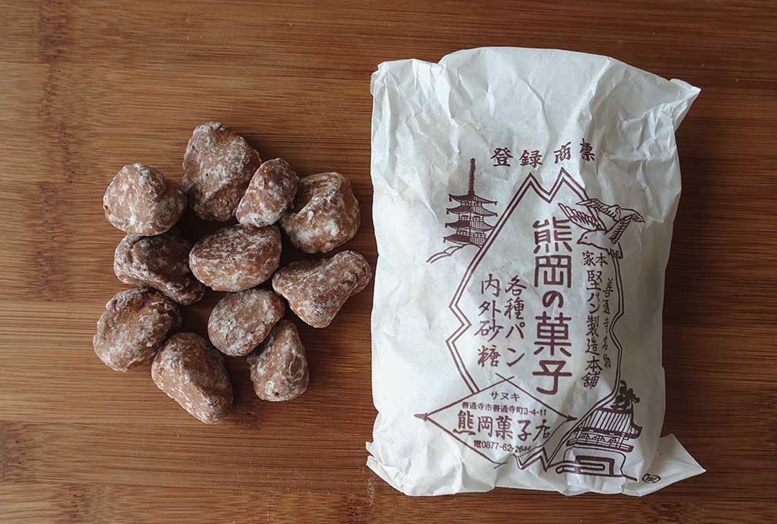 お菓子をいれる袋も、レトロでかわいい