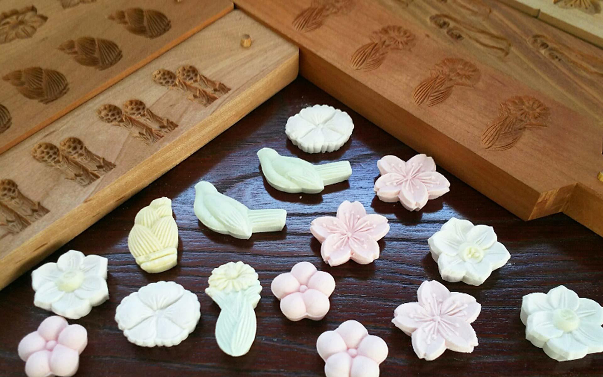 本物の菓子木型で楽しむ、和三盆づくりを体験|さんち 〜工芸 ...