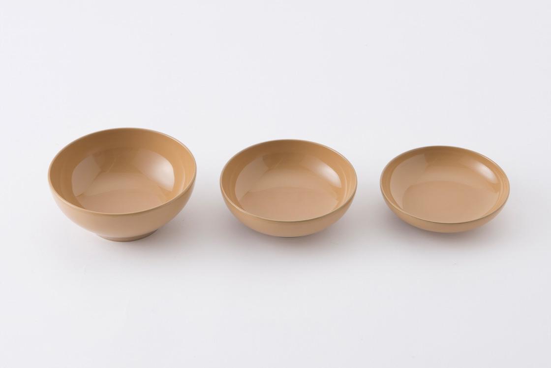 椀・鉢・皿の3点セット。大人になったら小鉢や豆皿としても