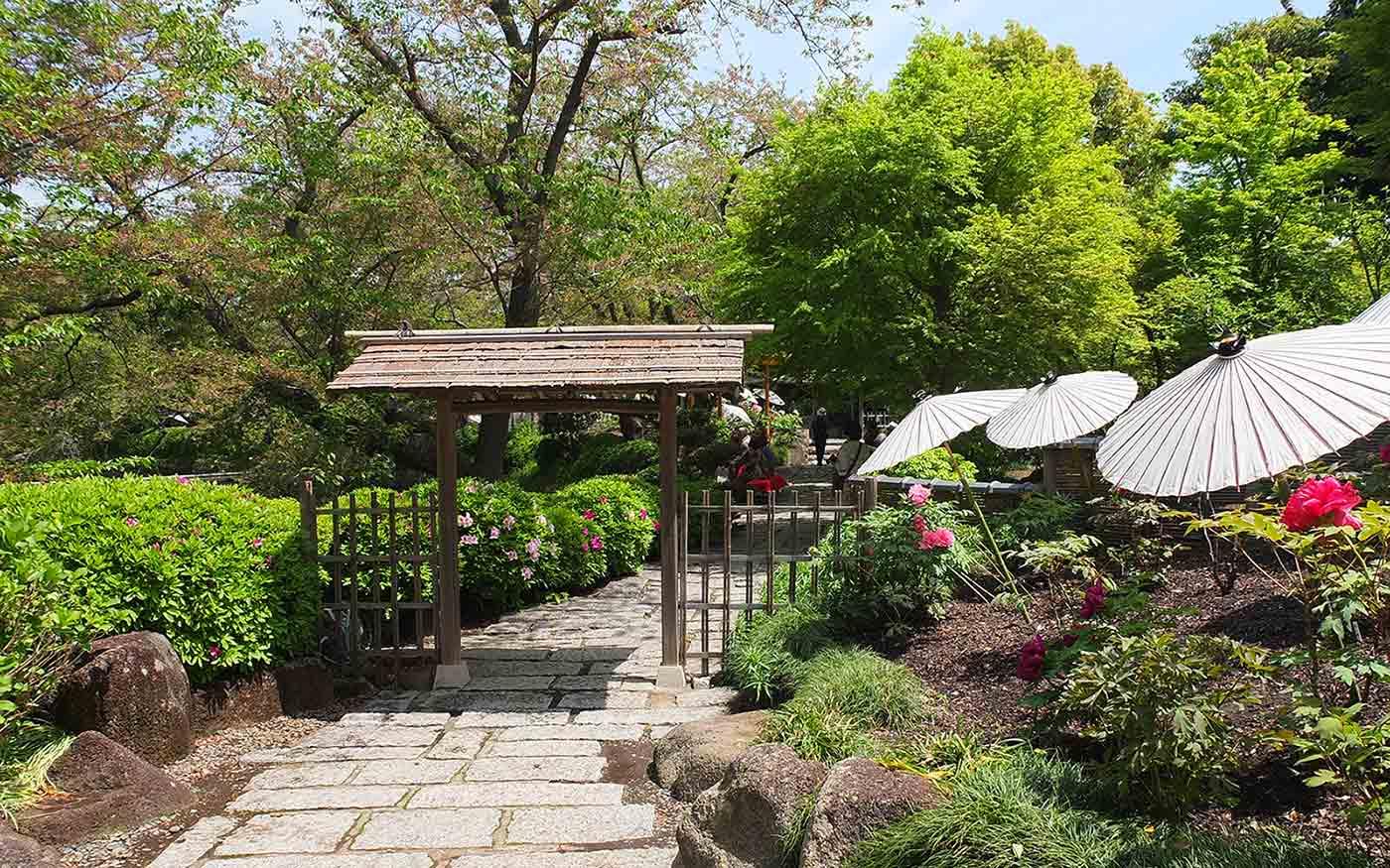 神苑ぼたん庭園への入口