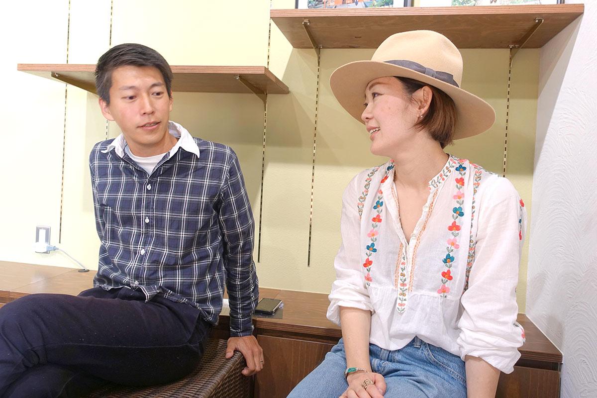 「◯◯と鎌倉」の編集長原田優輝さん、コーディネーターの狩野真実さん