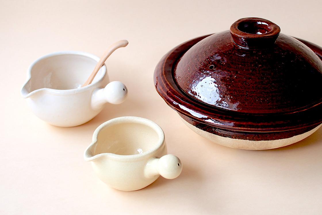 みんなでお鍋を楽しめるサイズの土鍋は径31センチ。「あたため鍋」は小回りをきかせたいときにおすすめ