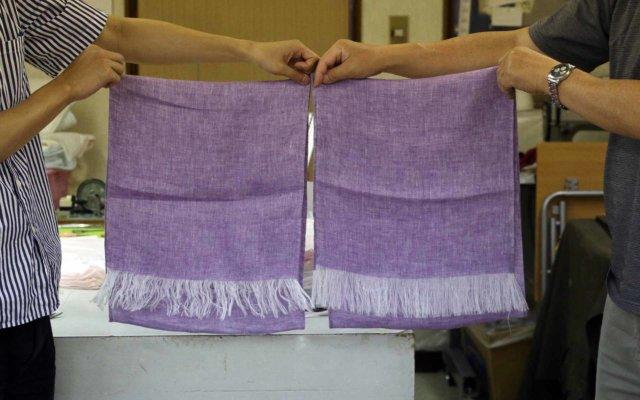 右が洗い加工前、左が洗い加工後。よりやわらかい雰囲気に