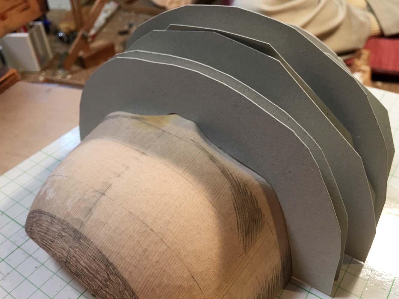 型紙にピタリと合うまで何度も調整されます
