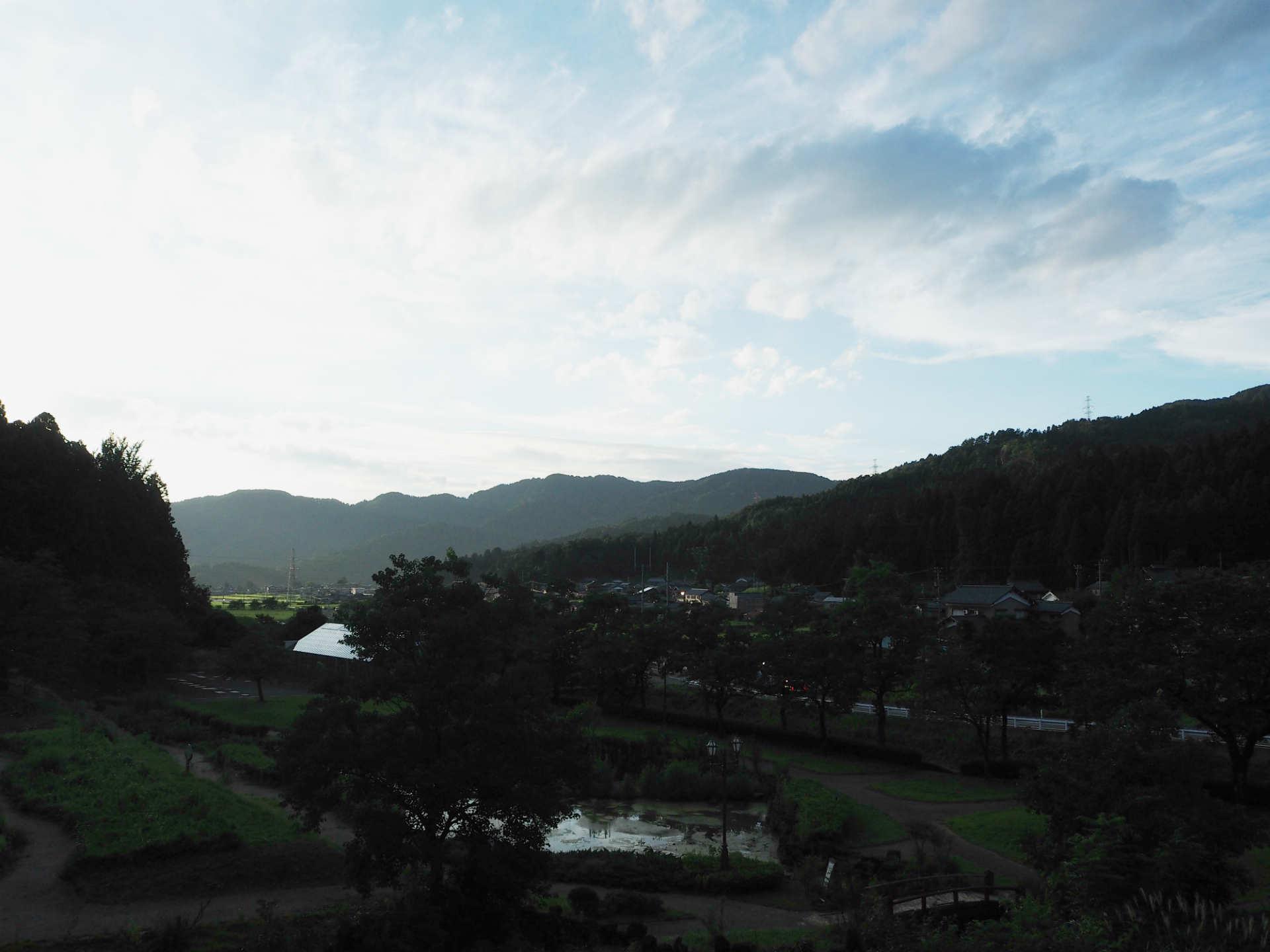 鯖江市街から車で20分ほど走ると豊かな自然が広がる (撮影:川内イオ)