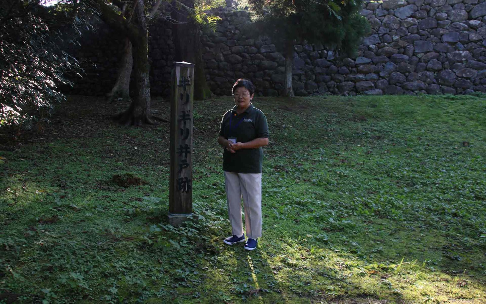 日没10分前に集合して、最初に訪ねる松江城。