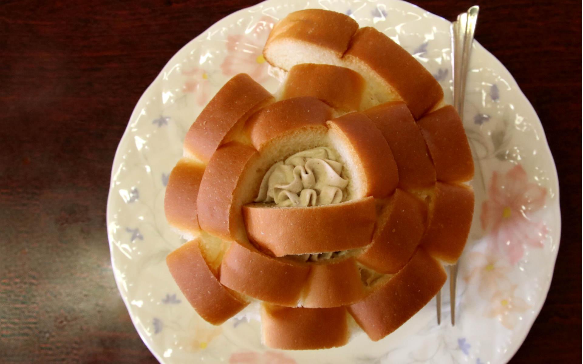 愛しの純喫茶〜出雲編〜バラのようなご当地パンが楽しめる「ふじひろ珈琲」