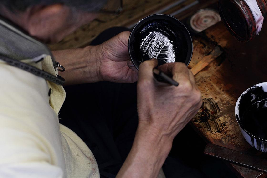 tsugi新山直広さん。鯖江の工芸である漆器