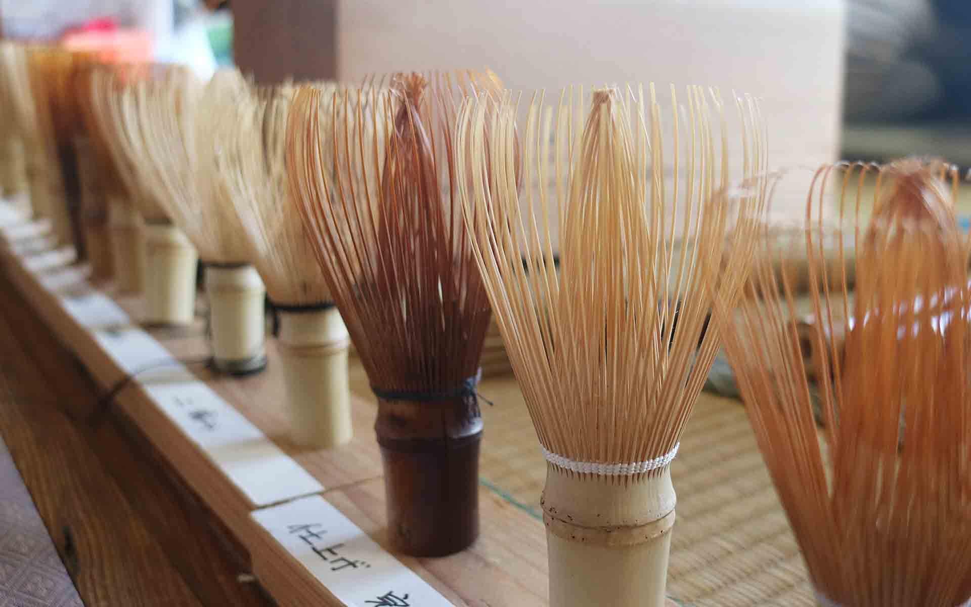 谷村さんお手製の茶筅作りの工程模型