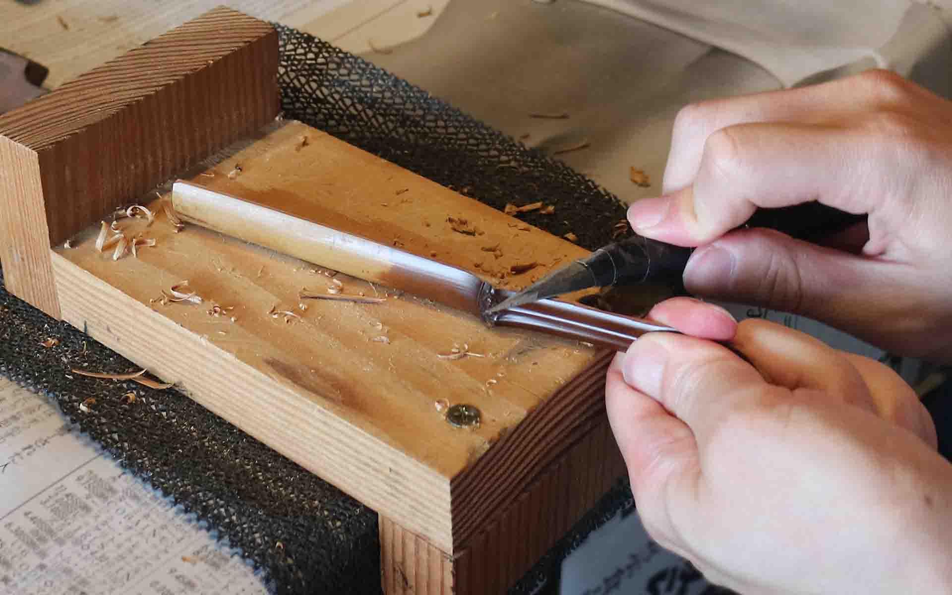 茶杓削り体験の様子