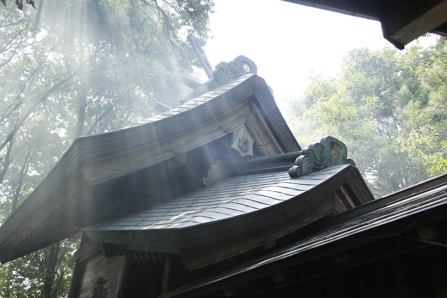 厳かな雰囲気の須佐神社