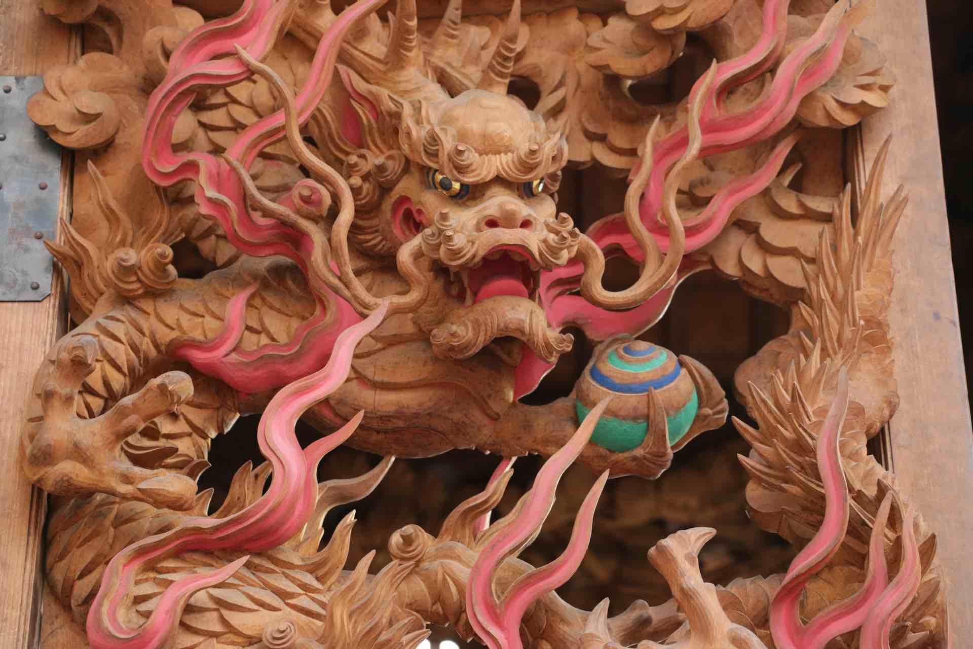 最も多く彫られているという龍のモチーフ
