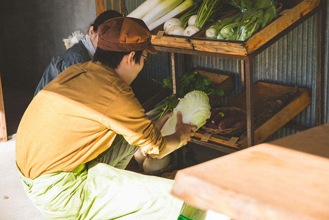 ドライブイン茂木・毎朝地元の野菜が届く