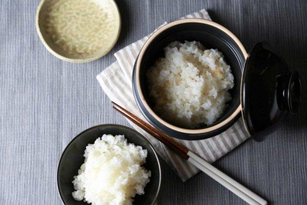 新商品「kamacco(かまっこ)」は平成29年度とちぎデザイン大賞(最優秀賞)を受賞。一合炊きの土釜で、たった20分で美味しいご飯を炊くことができる