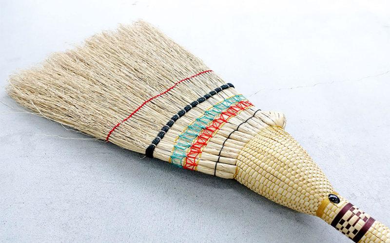 栃木県鹿沼市の伝統工芸品・鹿沼箒、かぬまぼうき