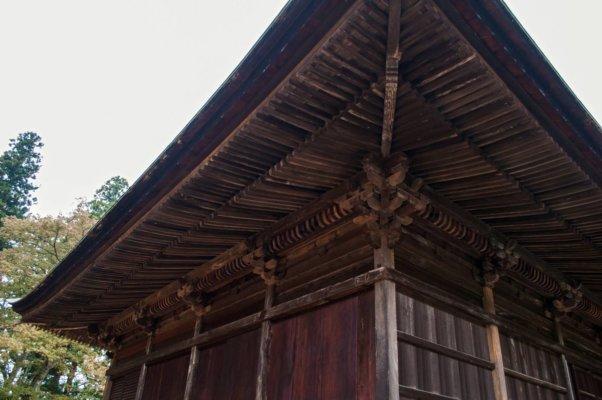 大きな建物ですが、細かい装飾もなされています