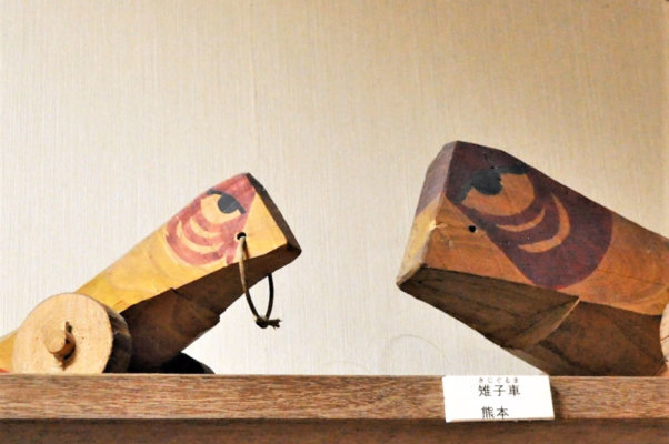 熊本の郷土玩具、雉子車。濱田庄司は若い頃から地域の生活に強い関心があった