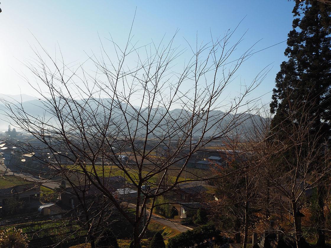 清峯寺の境内から見た風景。円空の仏像_さんち