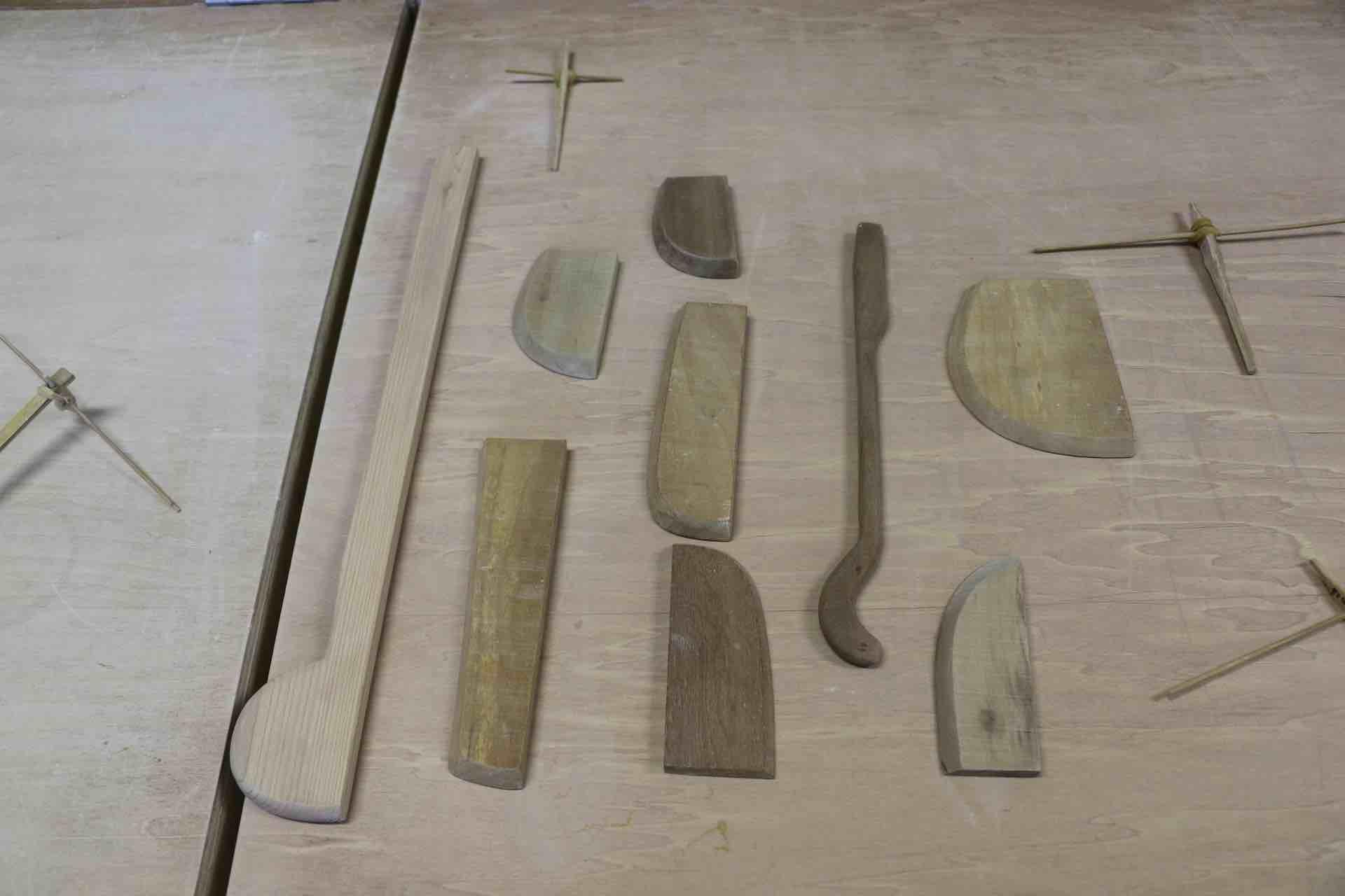 ろくろの部屋にあった、古式にならった様々な道具