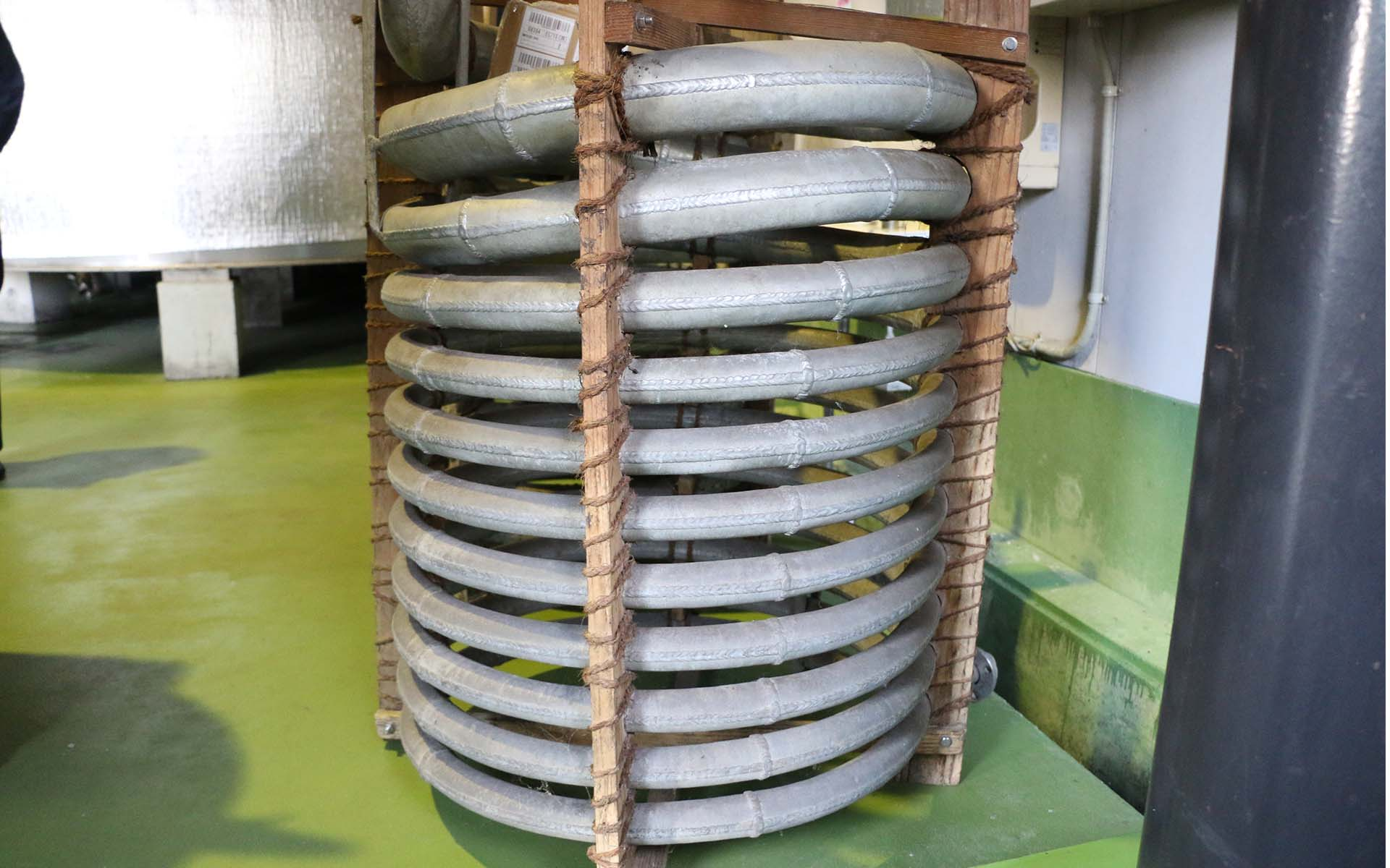 鹿児島の蒸溜所内にある「錫蛇管」