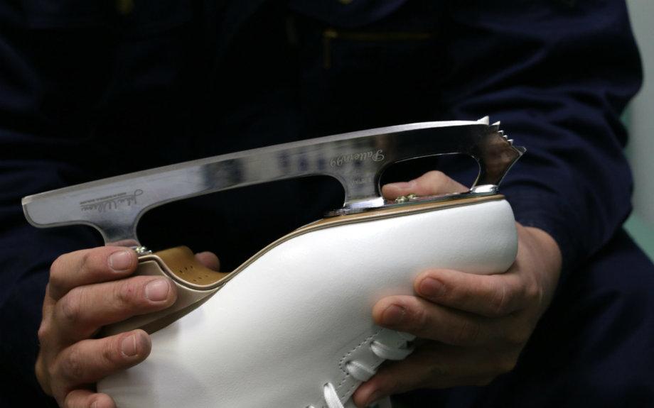 この刃の部分がブレード。選手の全体重を支える