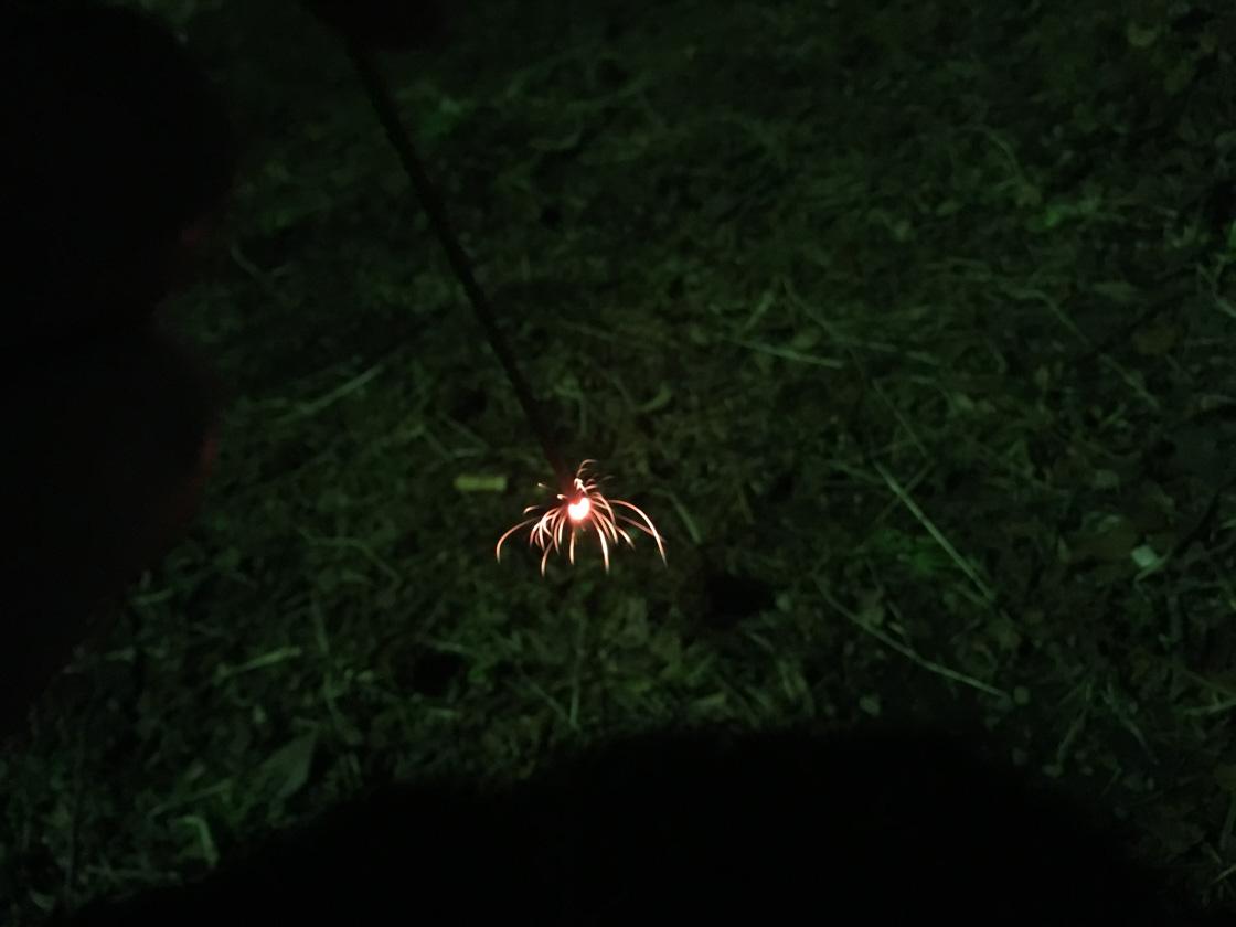 冬の、できたて線香花火