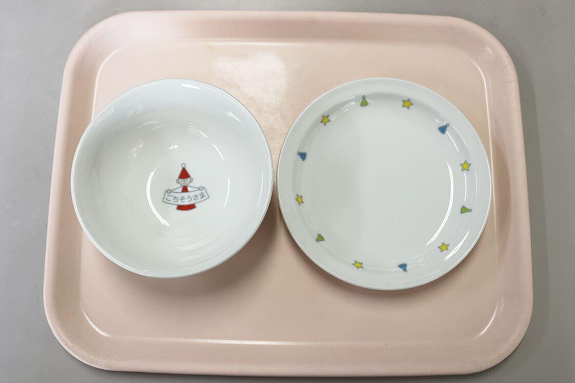 波佐見焼の給食用強化磁器食器