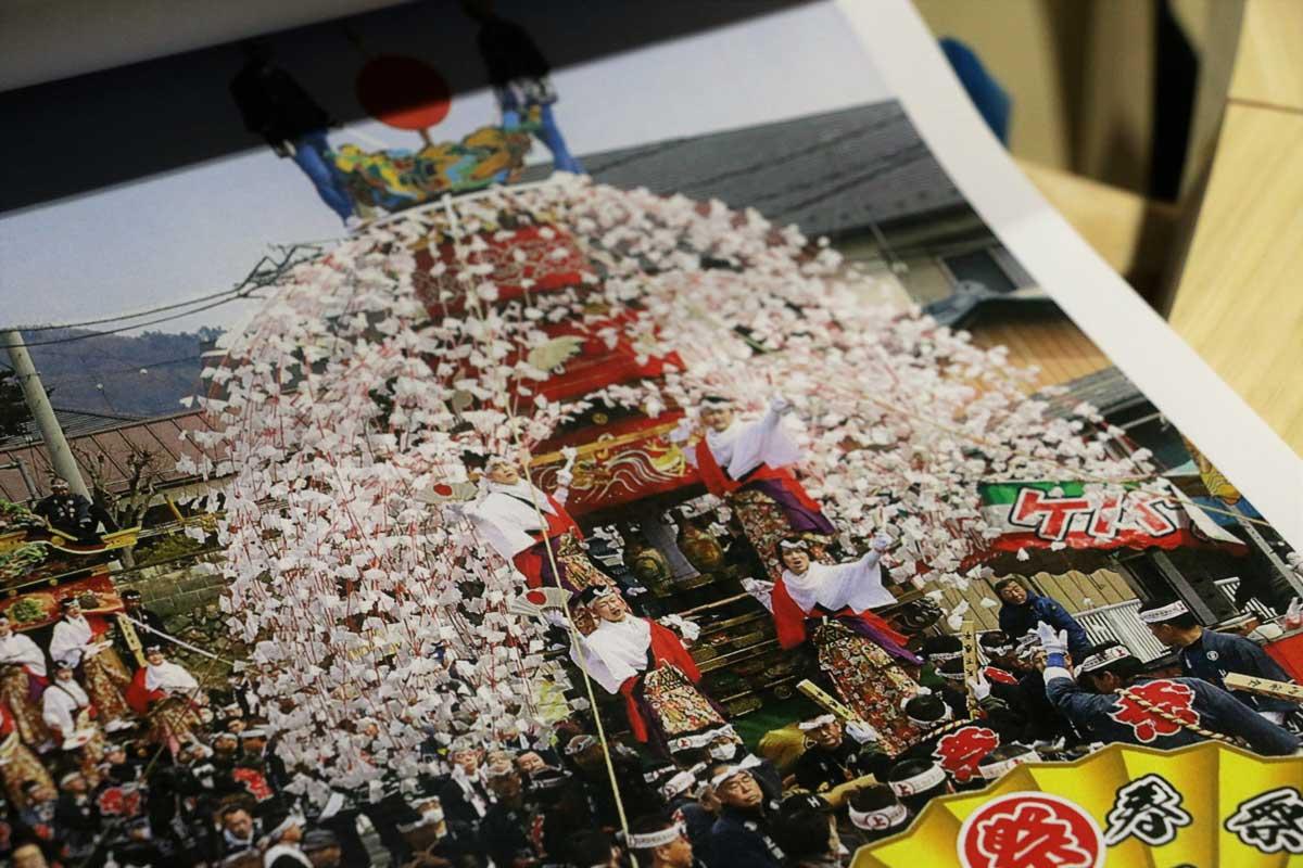 埼玉県川越市の祭屋台。華やかな祭屋台の上部、円柱の部分を作り替える